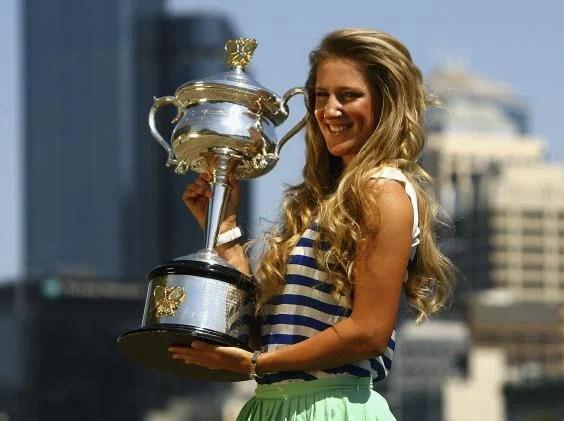 v azarenka - Former world number one Victoria Azarenka awarded wildcard for 2018 Australian Open