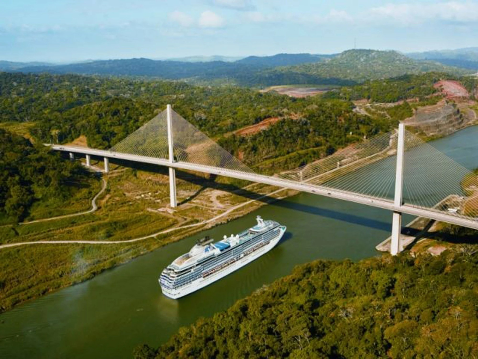 hight resolution of great divide a hundred years of the panama canal