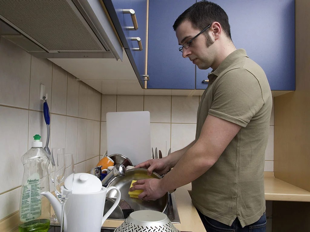 Dad. do the dishes for the sake of your daughter | The Independent