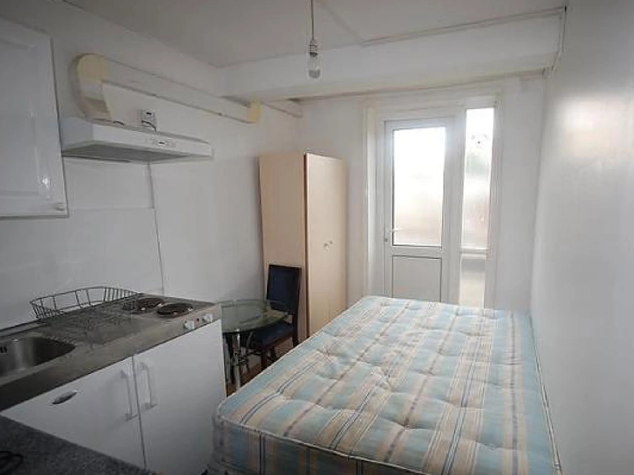Kitchen Room Bedroom Studio Flat With Bedroom Kitchen And Shower In One Room For