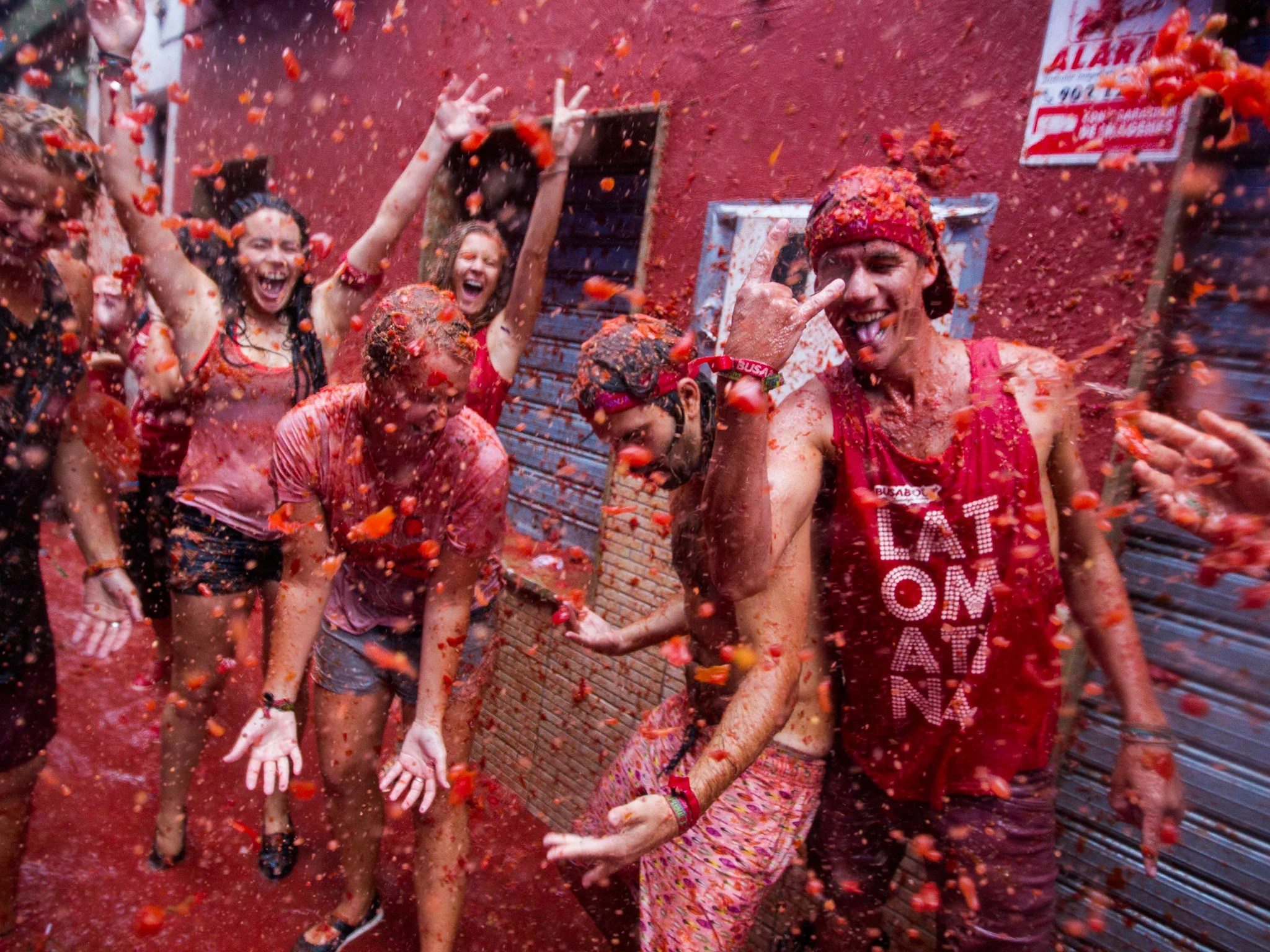 La Tomatina Spanish Town Hosts World S Biggest Food Fight