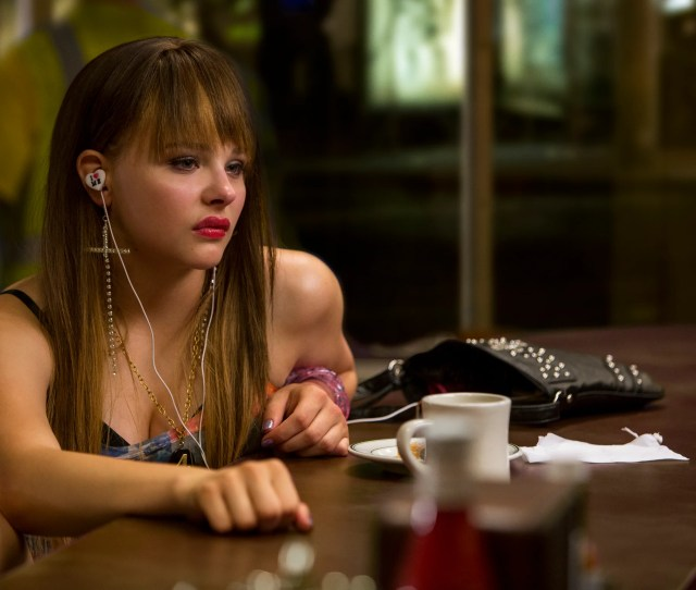 Teri Chloe Grace Moretz At The Diner In Columbia Pictures The Equalizer