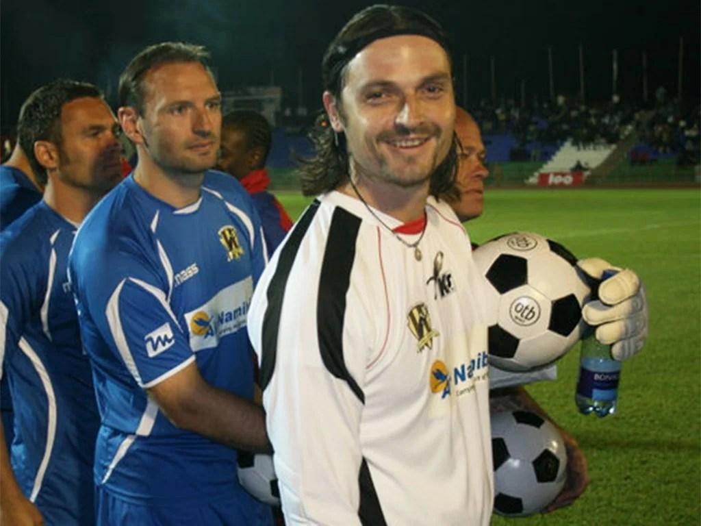 Lutz Pfannenstiel: The goalkeeper who gave up Bayern Munich for ...