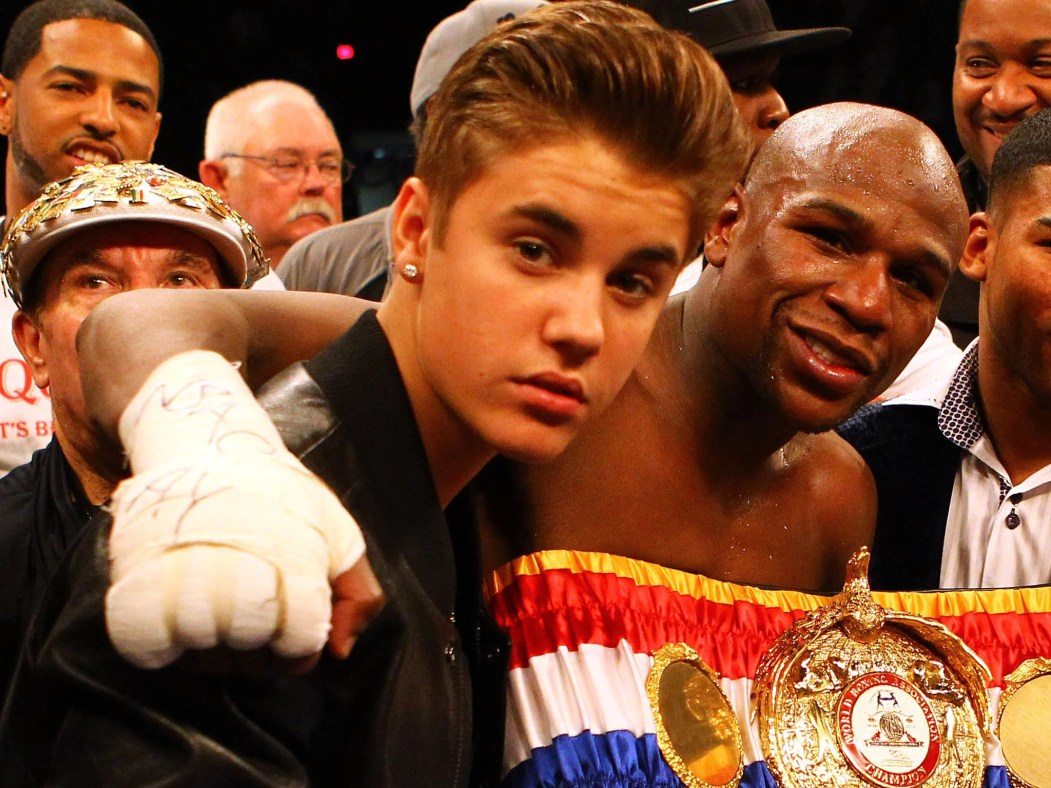 https://i0.wp.com/static.independent.co.uk/s3fs-public/thumbnails/image/2015/04/29/12/Justin-Bieber-Floyd-Mayweather.jpg?resize=1051%2C788&ssl=1