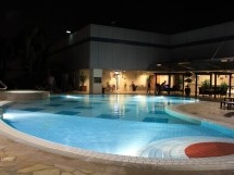 World' Airports Rooftop Pools And Hot Tubs