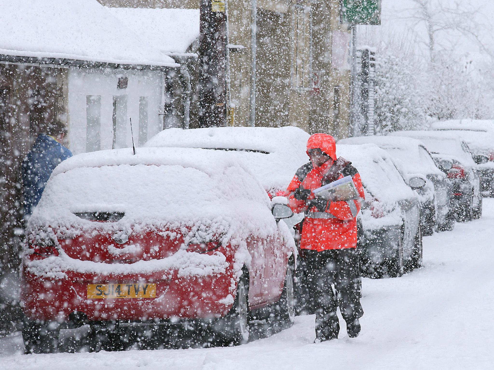 Uk Weather Latest Travel Chaos Grips Britain As Snow