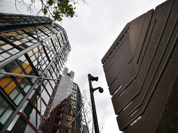 London Residents Overlooked Tate Modern Extension Suing