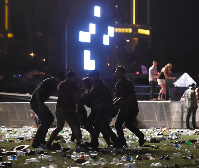 Las Vegas Shooting Police Believe Lone Gunman Was Responsible For Mass Shooting On Casino Strip The Independent