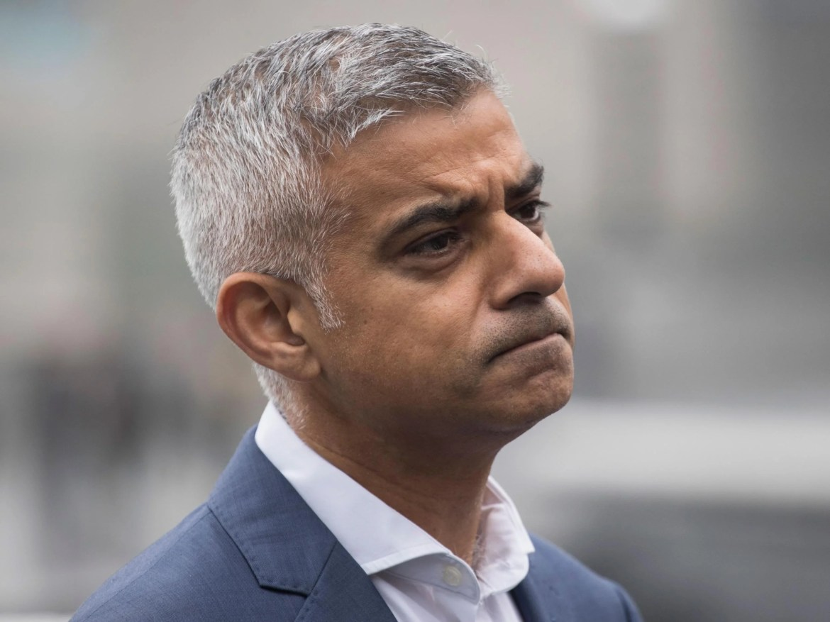 Sadiq Khan orders London's emergency planners to prepare for the no-deal Brexit