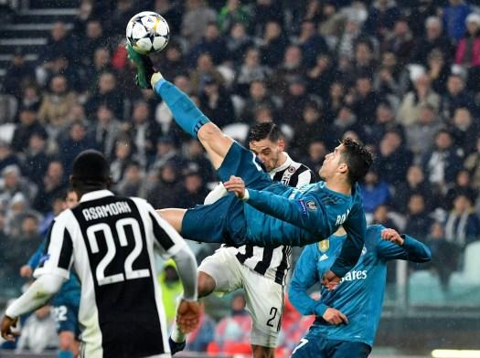 Cristiano Ronaldo's stunning bicycle kick goal helps Real ...