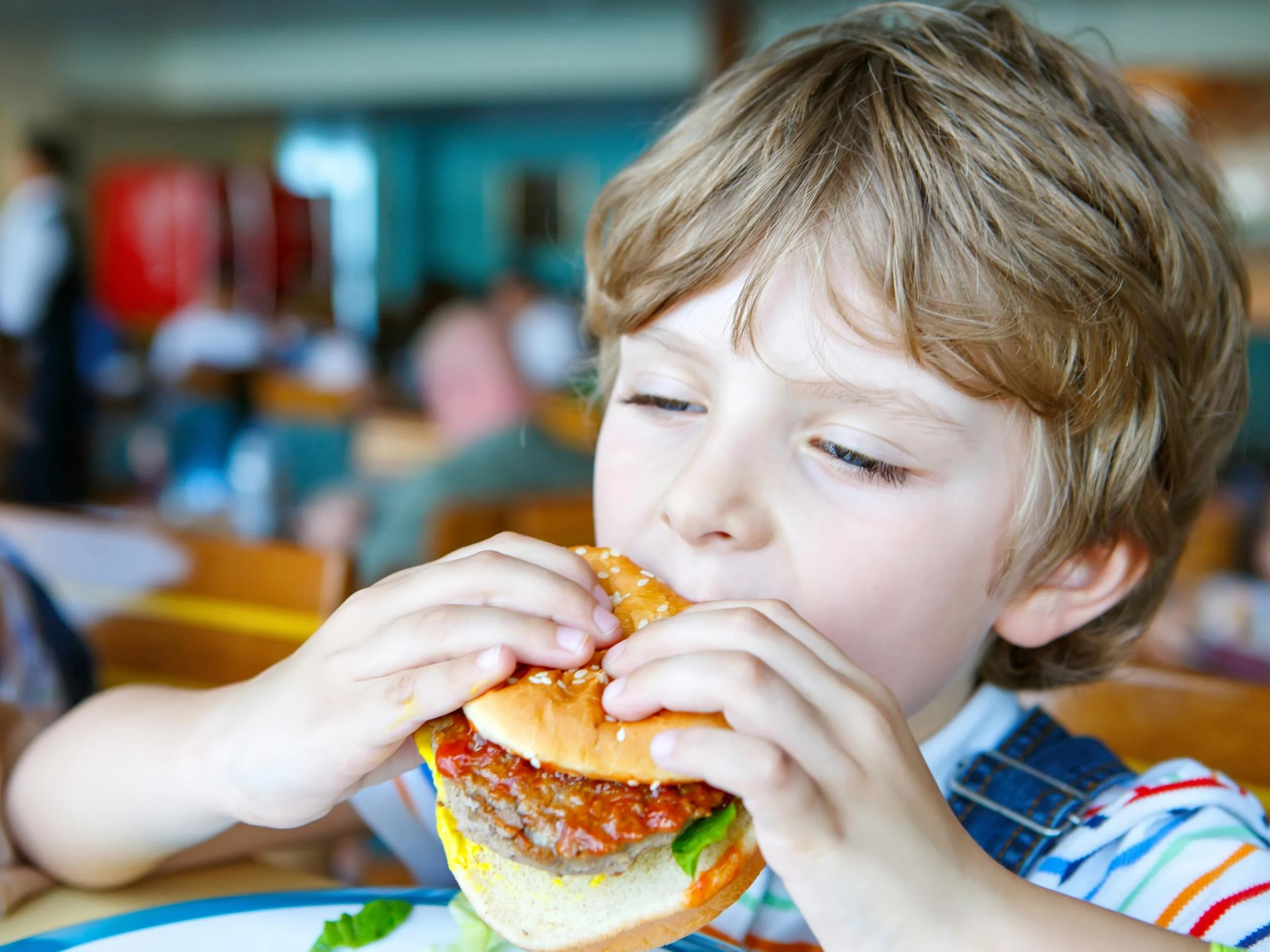 Doctors Call For Fast Food Restaurants To Be Banned Near