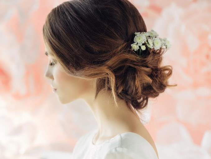 four hair accessories to wear on your wedding day | the