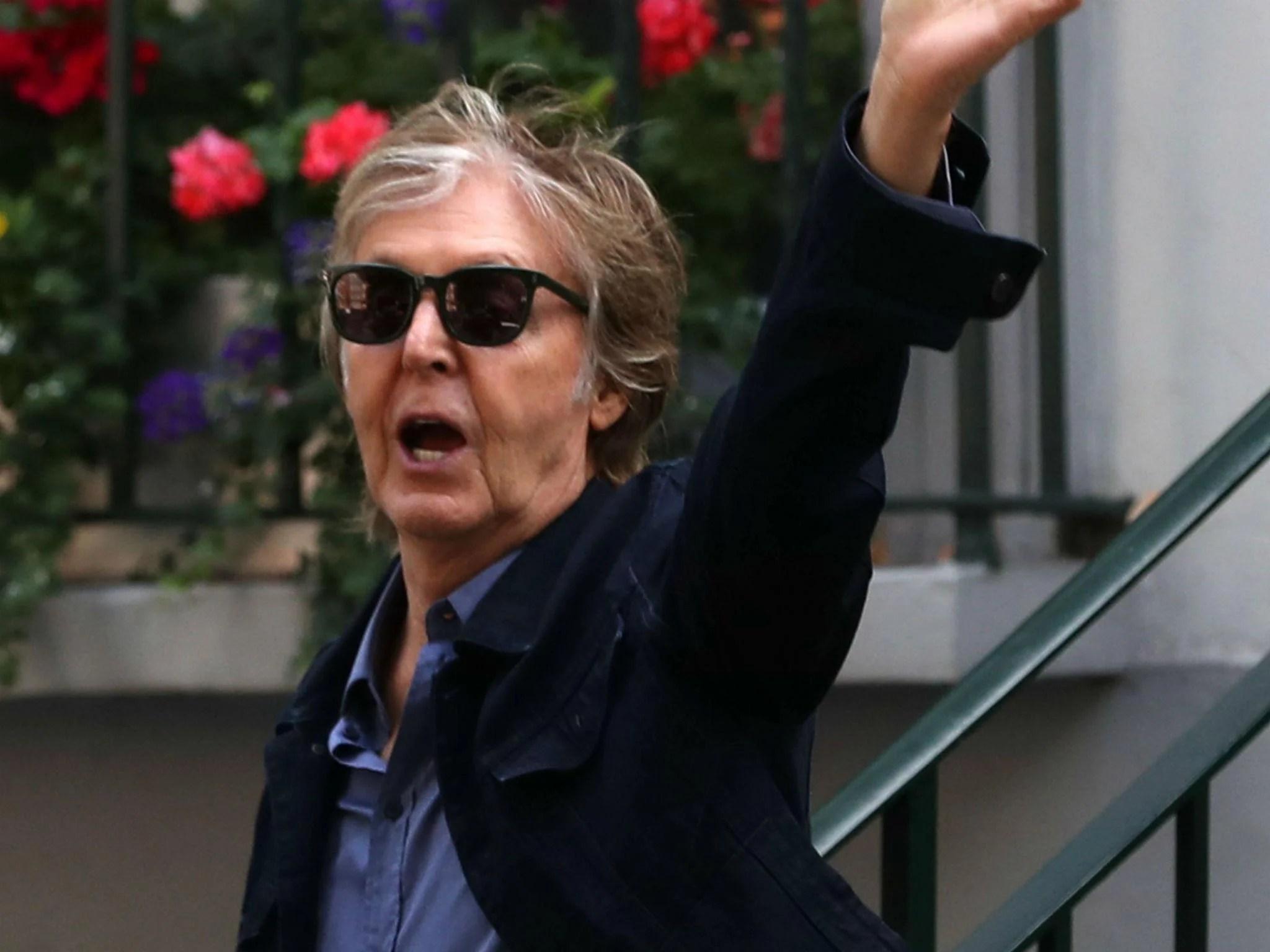 Paul McCartney recreates legendary Beatles Abbey Road