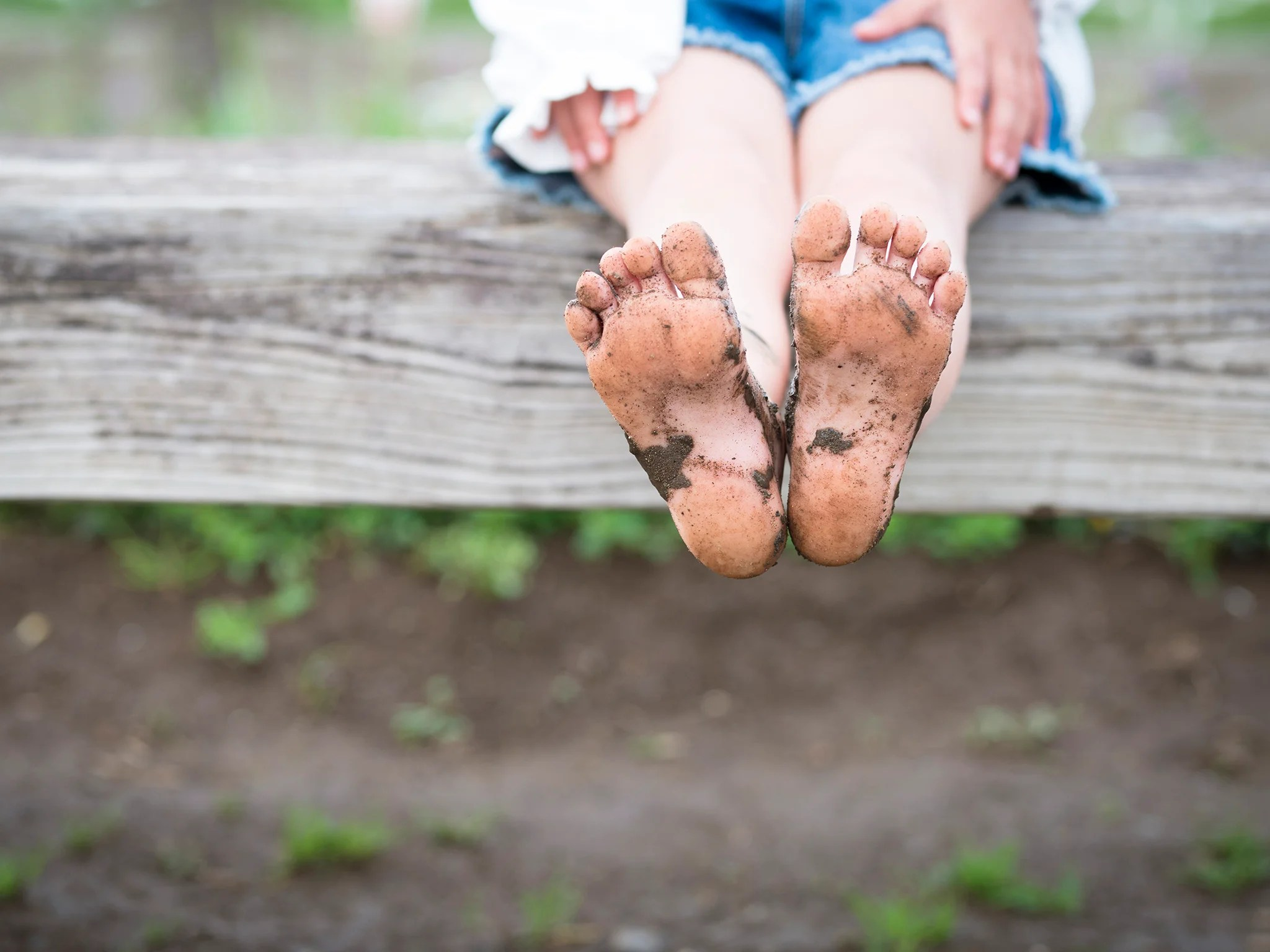 why going barefoot encourages
