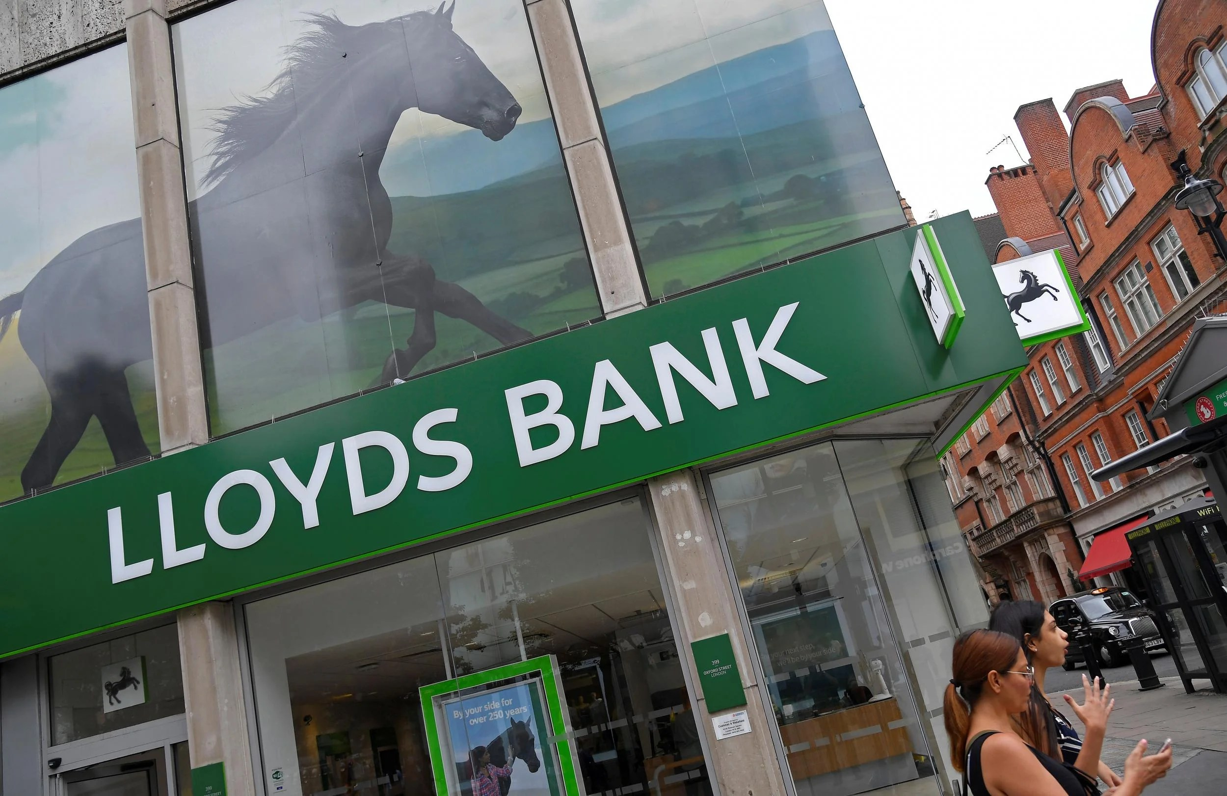 Online Banking Down Lloyds Halifax And Bank Of Scotland Customers Locked Out Of Accounts On New Year S Day The Independent The Independent