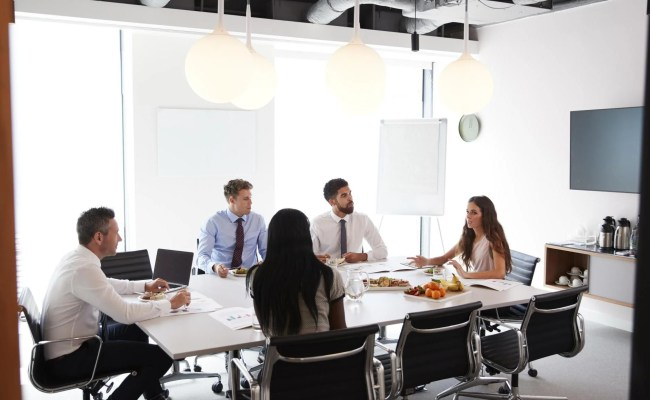 Office Workers Only Take 16 Minutes Lunch Break Study