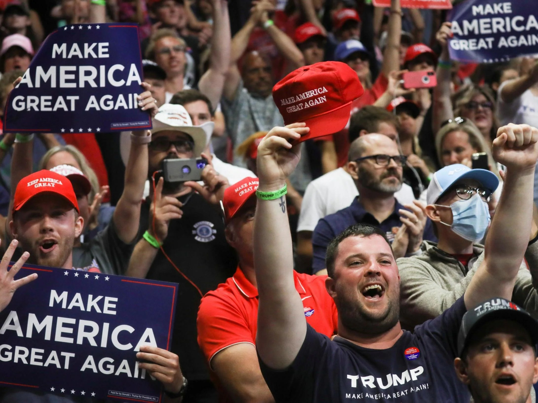 Everyone at Trump's Republican Convention to be tested daily for coronavirus, organisers announce 4