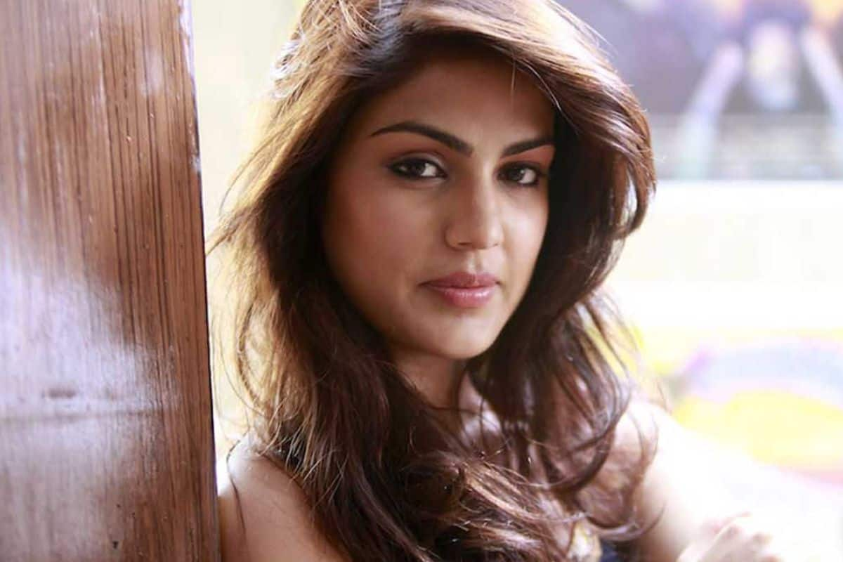 Rhea Chakraborty is The Most Desirable Women of 2020, Netizens Are Confuse as She is Prime Suspect in SSR Case