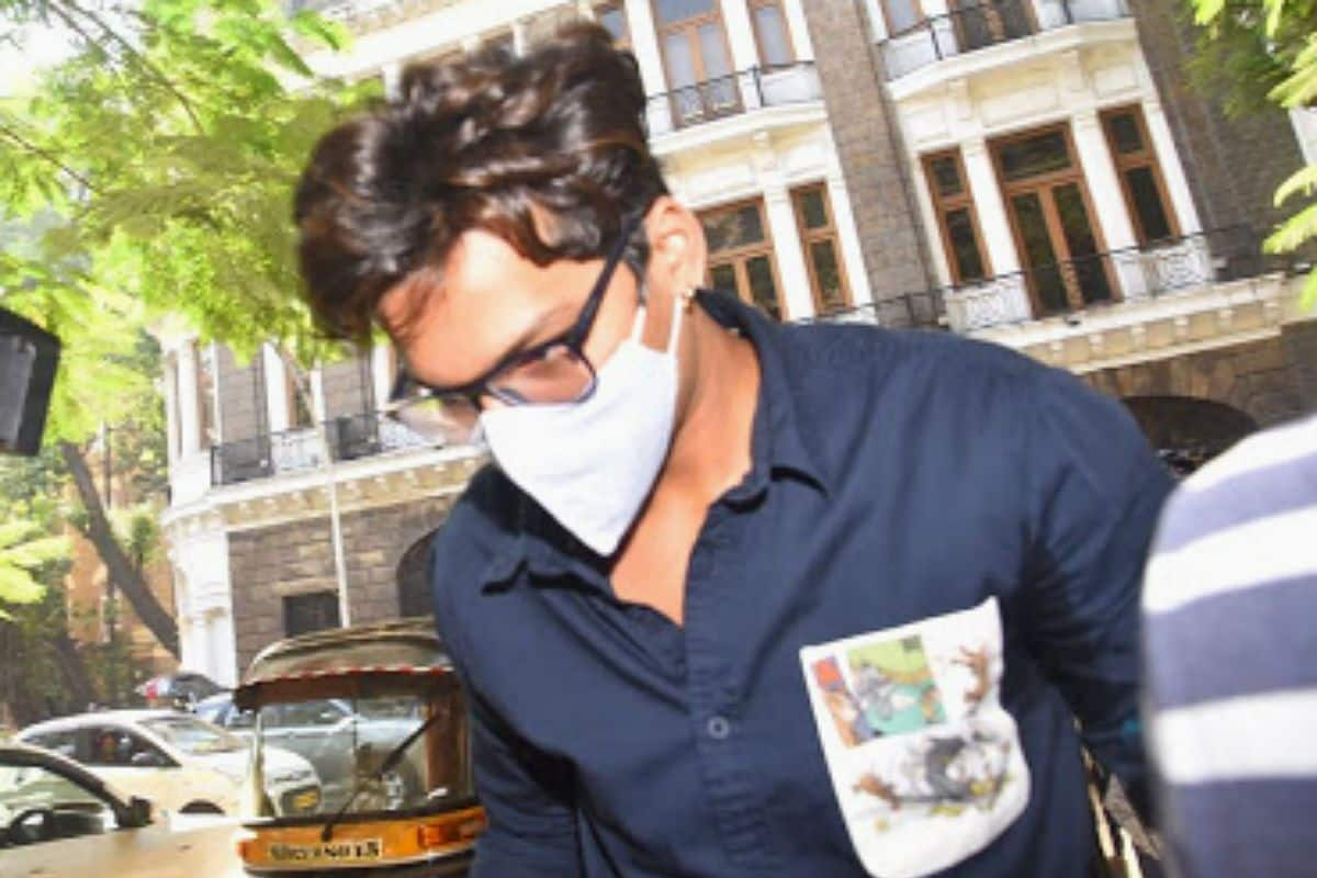 After Bharti Singh, Husband Haarsh Limbachiyaa Arrested by NCB For Consuming Ganja