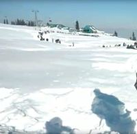 13 Dead, 250 Injured as Record Snowfall Blankets Japan