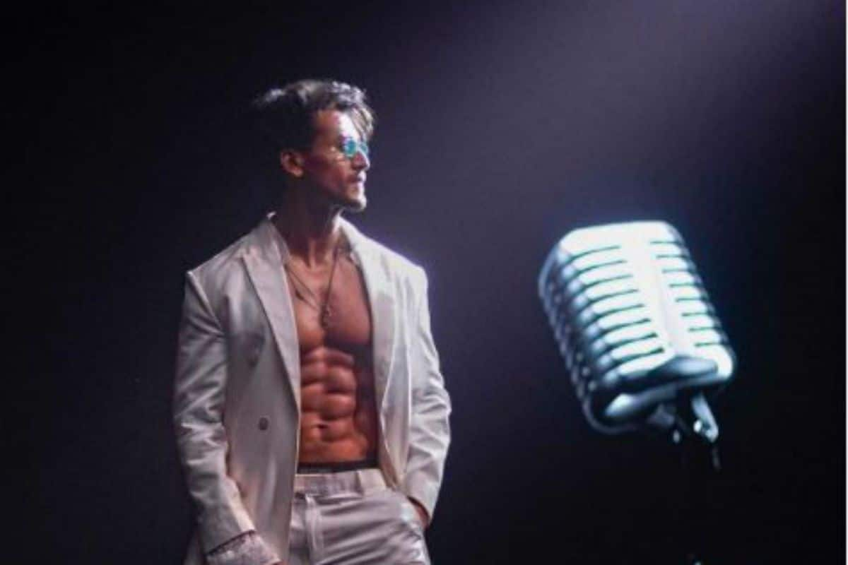 Tiger Shroff Flaunts His Phenomenal Dance Moves in Latest Song