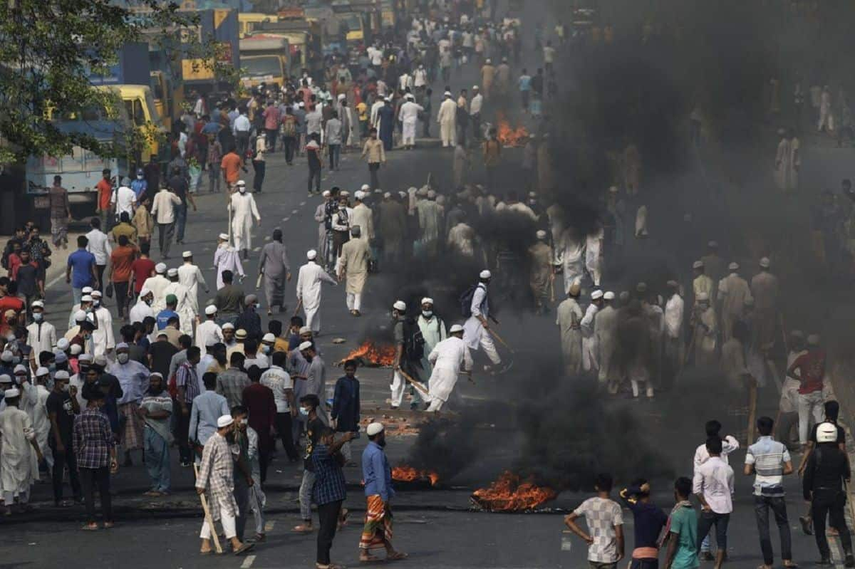 Violence Erupts in Bangladesh in Wake of PM Modi's Visit; Hindu Temples, Trains Attacked