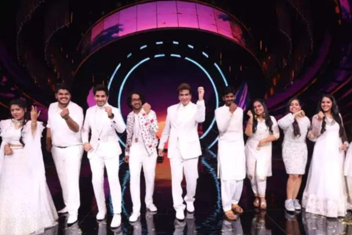 Jeetendra On Indian Idol 12: Neha Kakkar, Vishal Dadlani, Himesh Reshammiya, Aditya Narayan Groove To 'Taki Taki'