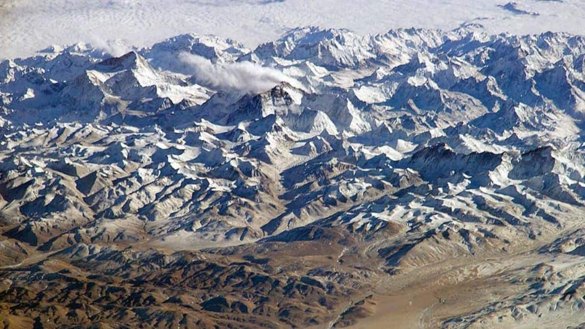 The Roof of The World, That Hosts The Mount Everest And K2, Is Melting