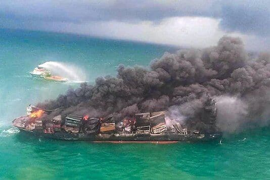 Sri Lanka Fears Oil Spill From Burning Container Ship