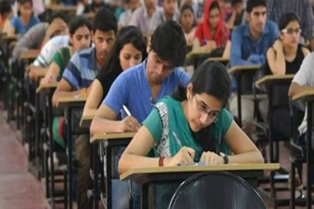 UP Govt Takes BIG Decision For 1st Year Graduation/Higher Education Students. Details Here