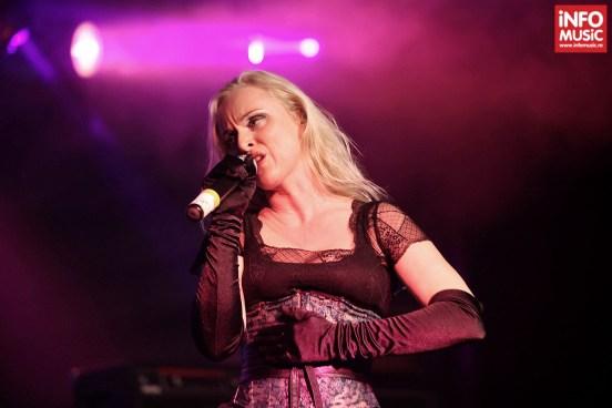Leaves' Eyes în concert la Maximum Rock Festival