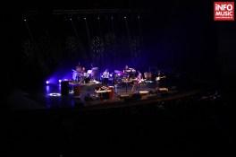 The Straits în concert la Sala Palatului pe 1 decembrie 2013