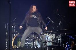 Trooper în deschiderea concertului Scorpions de pe 14 decembrie 2013