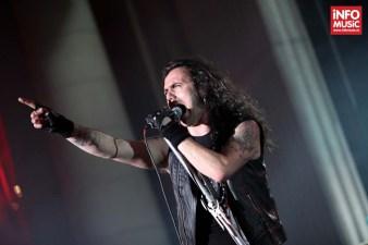 Solistul Fernando Ribeiro in concert la Metalhead Meeting, Arenele Romane 7 iunie 2014.