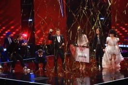 Pavel Bartoș anunțând câștigătorul Vocea României 2018