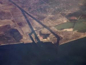 Fotografia tirada via satélita da área norte (Porto Said) do Canal. (Fonte: Google Imagens)