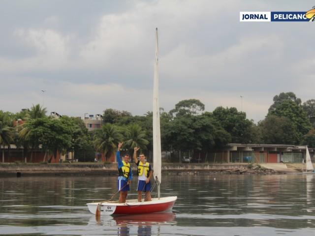 Alunos Ygor Martins e Jonas Gomes no Dingue. (Foto: Al. Leal / Jornal Pelicano)