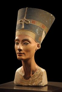 King Tut cont'd. Plus, was (step) mom Nefertiti photoshopped?