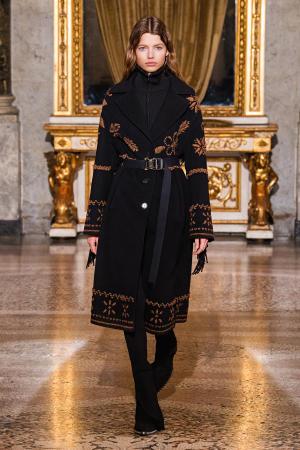 Ermanno Scervino: Ermanno Scervino Fall Winter 2021-22 Fashion Show Photo #18