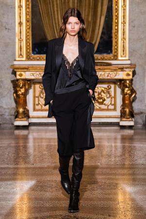 Ermanno Scervino: Ermanno Scervino Fall Winter 2021-22 Fashion Show Photo #34