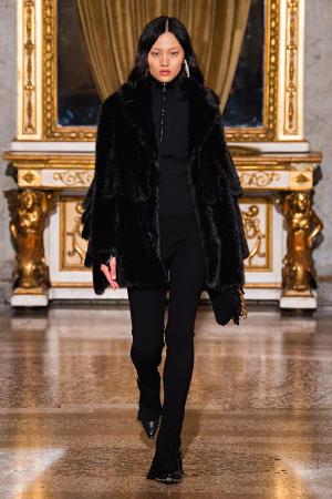 Ermanno Scervino: Ermanno Scervino Fall Winter 2021-22 Fashion Show Photo #32