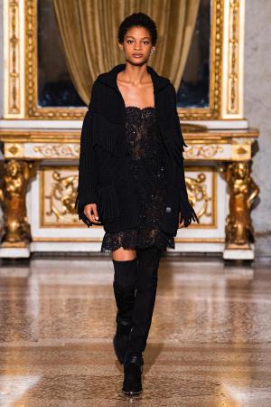 Ermanno Scervino: Ermanno Scervino Fall Winter 2021-22 Fashion Show Photo #37