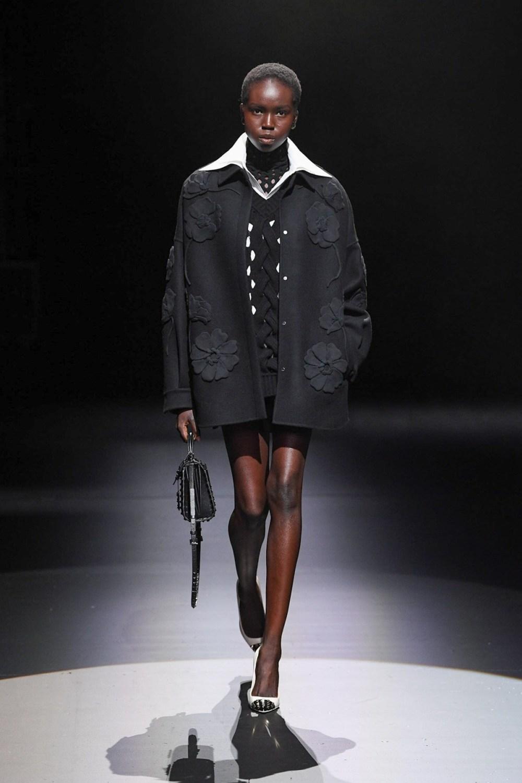 Valentino: Valentino Fall Winter 2021-22 Fashion Show Photo #42