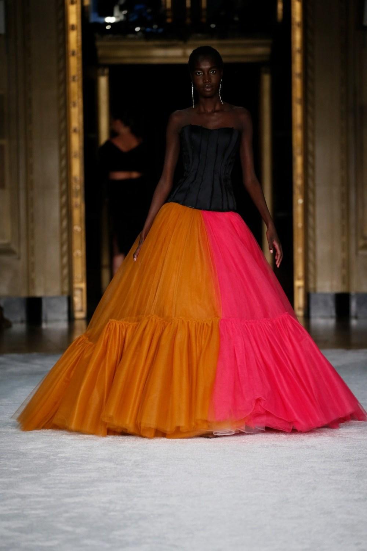 Christian Siriano: Christian Siriano Fall Winter 2021-22 Fashion Show Photo #45