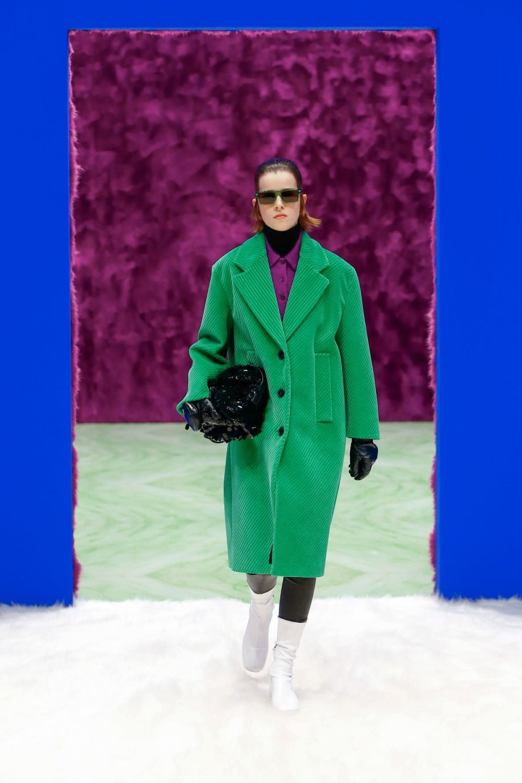 Prada: Prada Fall Winter 2021-22 Fashion Show Photo #34