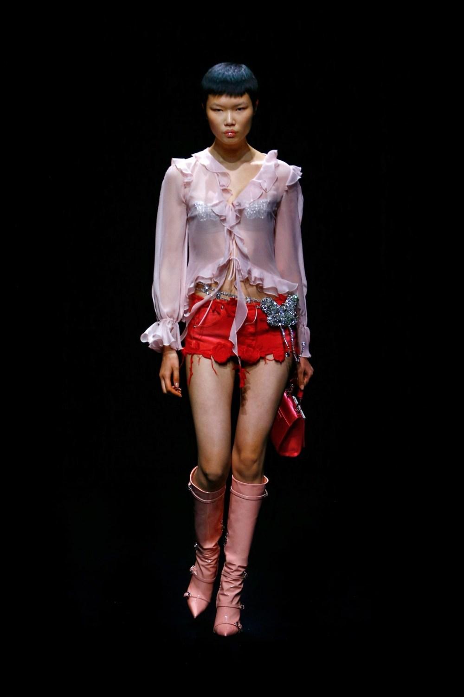 Blumarine: Blumarine Fall Winter 2021-22 Fashion Show Photo #14