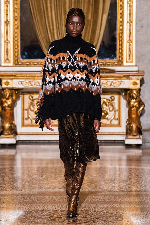 Ermanno Scervino: Ermanno Scervino Fall Winter 2021-22 Fashion Show Photo #11
