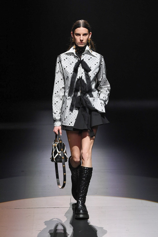Valentino: Valentino Fall Winter 2021-22 Fashion Show Photo #38
