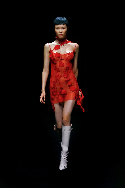 Blumarine: Blumarine Fall Winter 2021-22 Fashion Show Photo #45