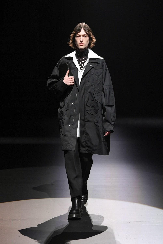 Valentino: Valentino Fall Winter 2021-22 Fashion Show Photo #10